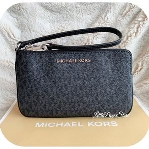 MICHAEL KORS JET SET WRISTLET MK BLACK